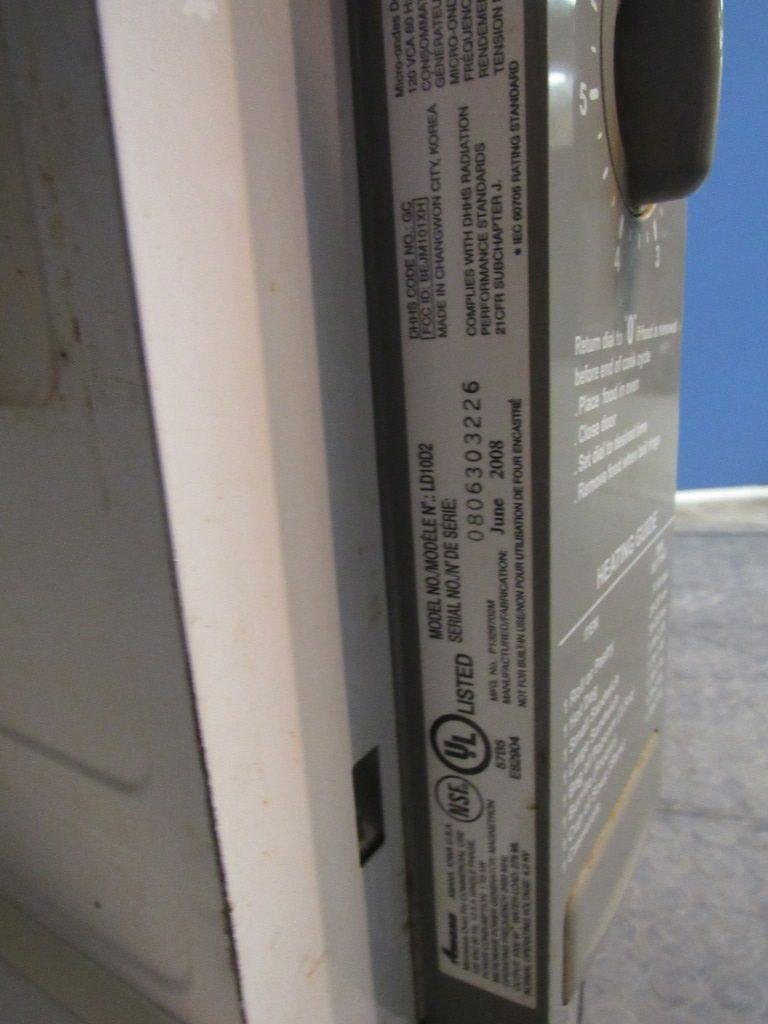 Amana LD10D2 Microwave (6)